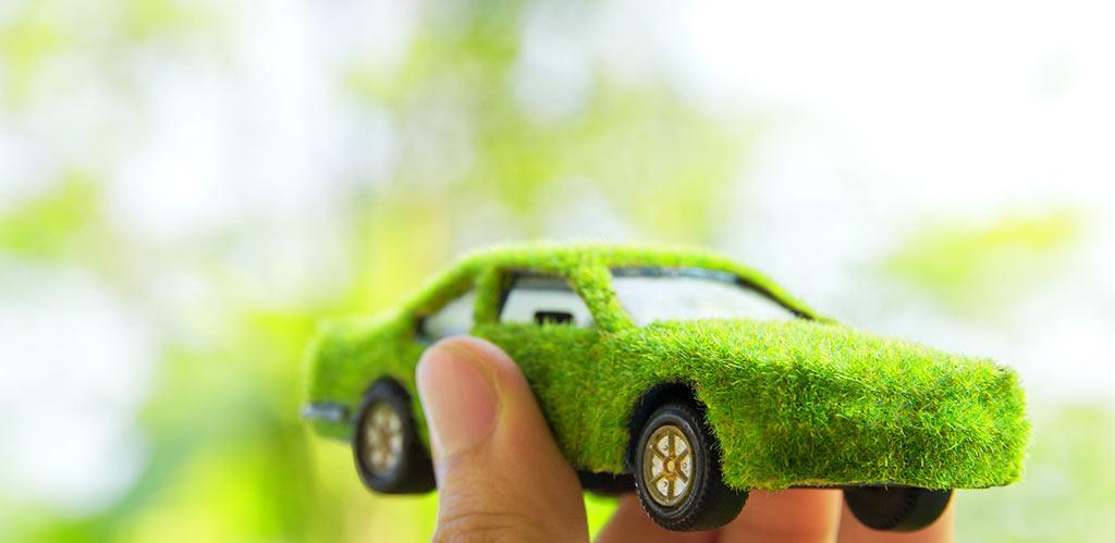 coche con neumaticos ecologicos