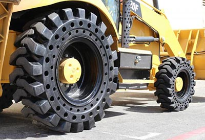 Nueva garantía para neumáticos macizos Galaxy