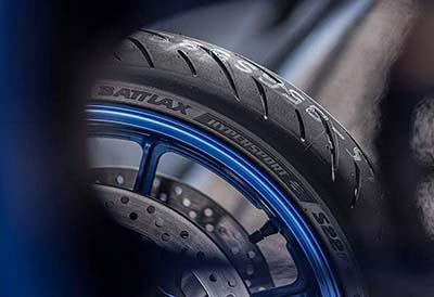 Bridgestone recupera el espíritu motero con optimismo