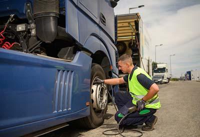 El mantenimiento de neumáticos puede reducir el coste de una flota de camiones