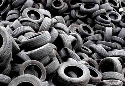 Los neumáticos usados facilitan la movilidad reducida