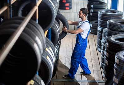 Cetraa y Conepa trasladan a Medio Ambiente el problema de los neumáticos usados