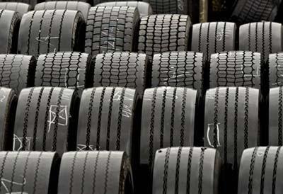 La importación de neumáticos asiaticos continúa descendiendo en el acumulado
