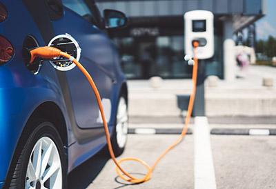 Los vehículos eléctricos aumentan un 44% en 2020