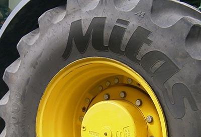 Neumático Mitas